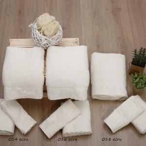 Σετ πετσέτες με δαντέλα