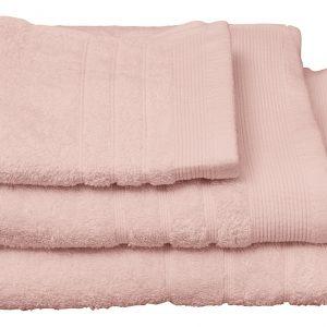23 dusty pink